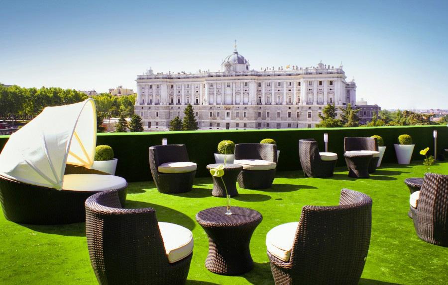 Terraza-Hotel-vistas-al-Palacio-Real-